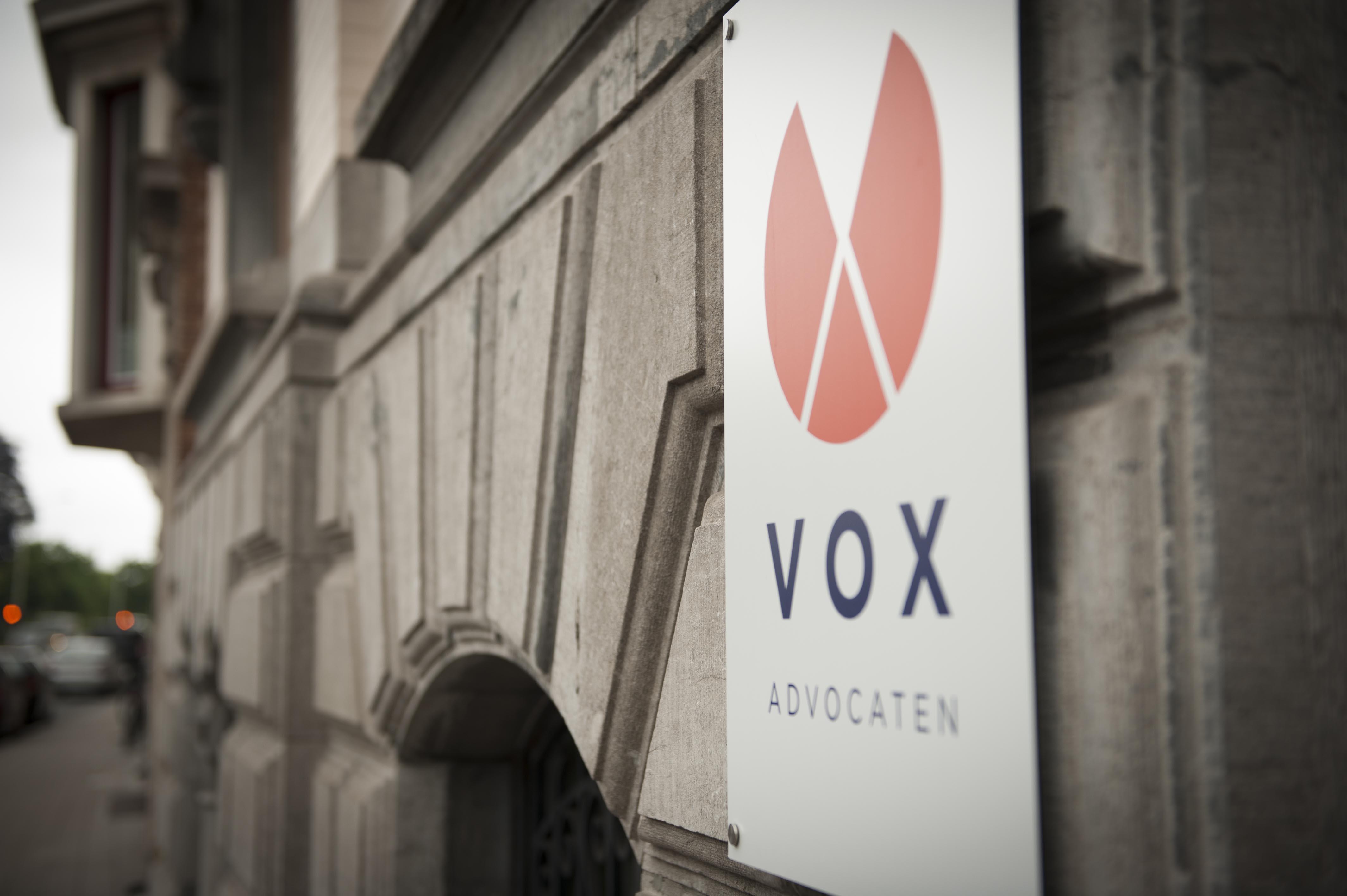 vox advocaten_03.naambord.b
